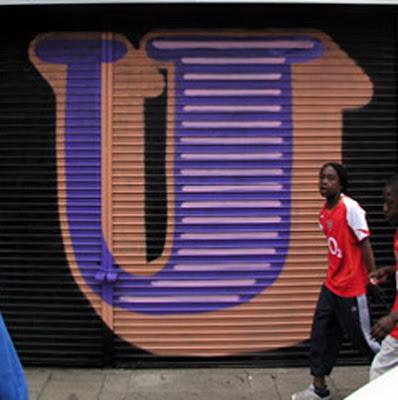 letter U on graffiti