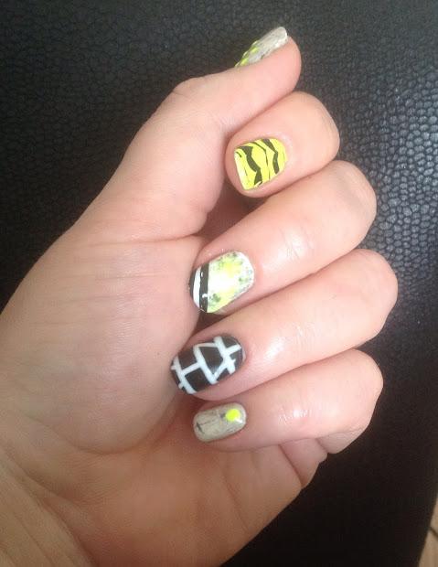 kawaii nail art neon skittles