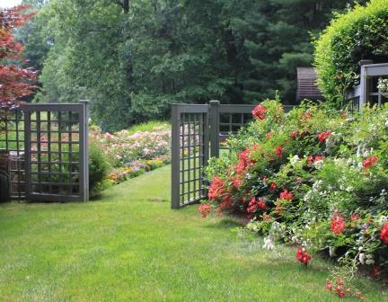3 simple garden design tips for Garden separator
