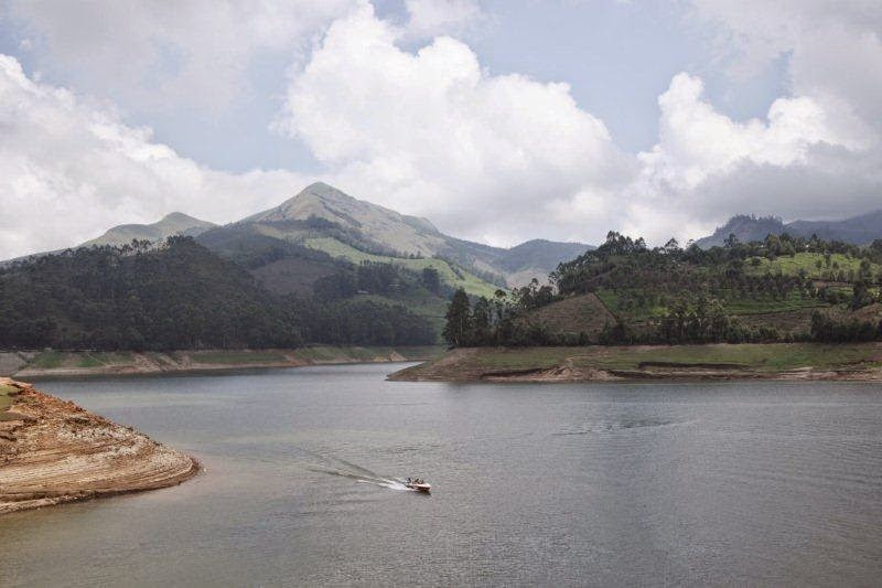 Devikulam lake Hill Station