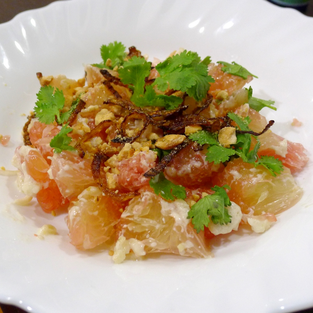 Thai Pomelo Salad (Yam Som-O) Recipe — Dishmaps