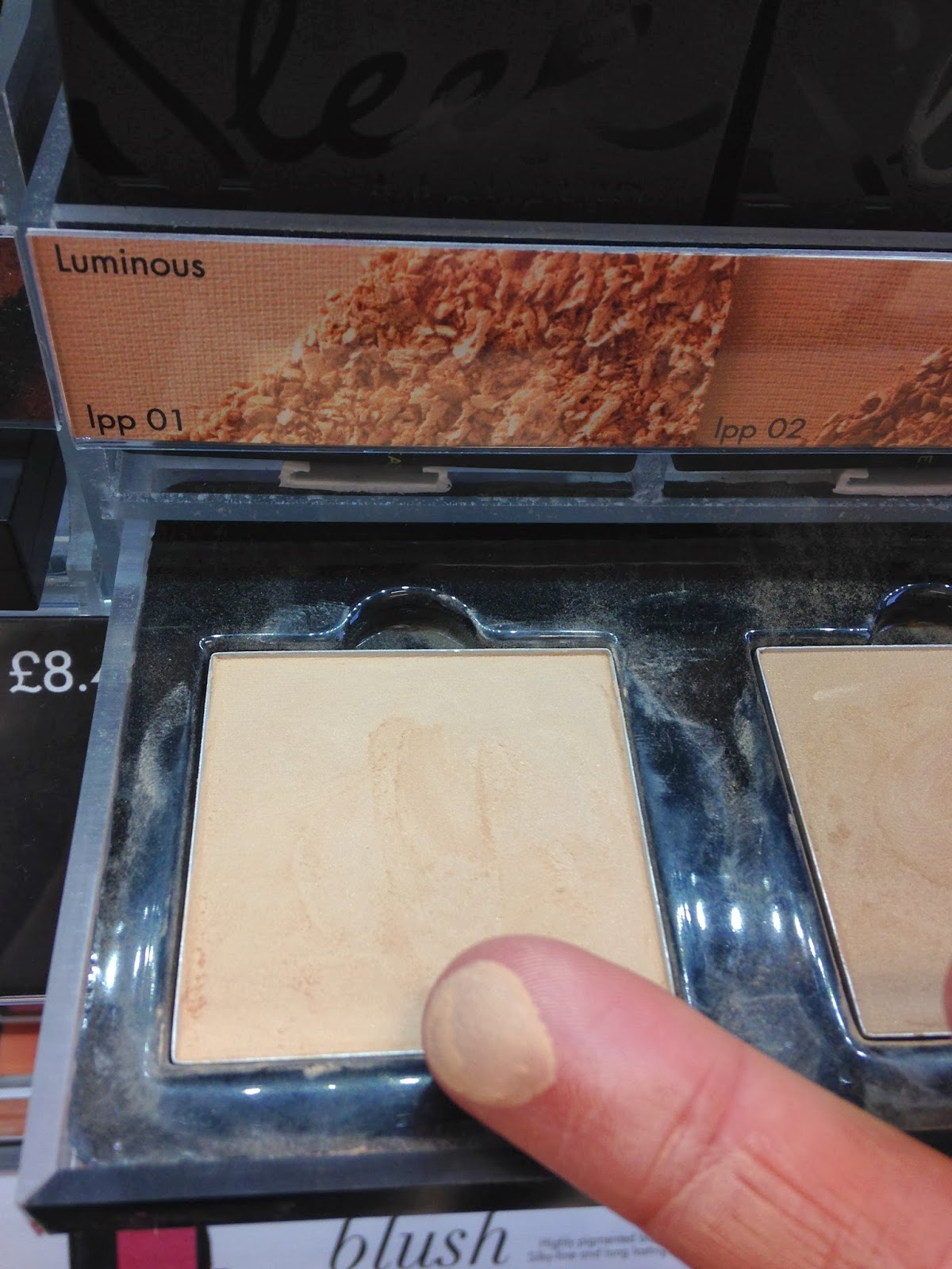 sleek Lumionous Pressed Powder No.1