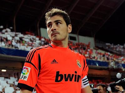 Casillas é eleito o melhor goleiro de 2012 pelos blogs de futebol