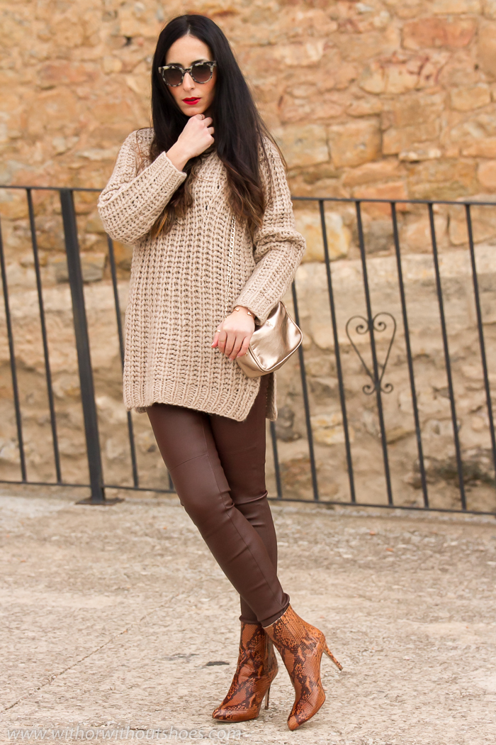 Blogger de Valencia con pantalones de piel