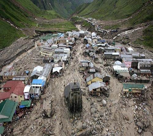 Kedarnath_temple_flood_landslide_photo