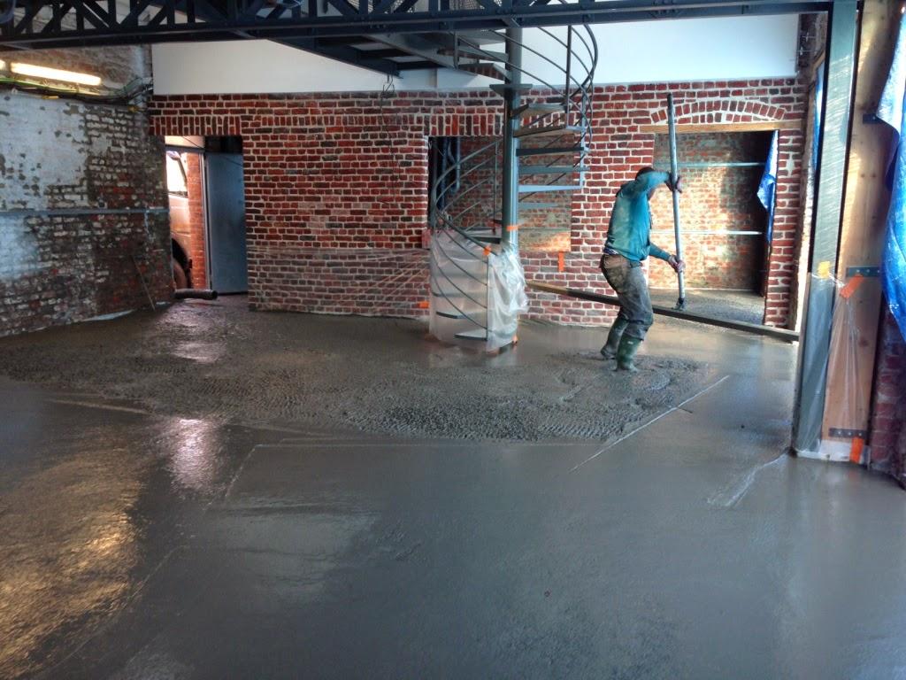 La dalle de b ton cir est coul e - Dalle beton cire prix ...