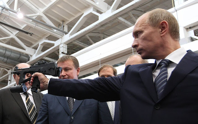 SHOCK POLL Vladimir Putin popular in America over Obama