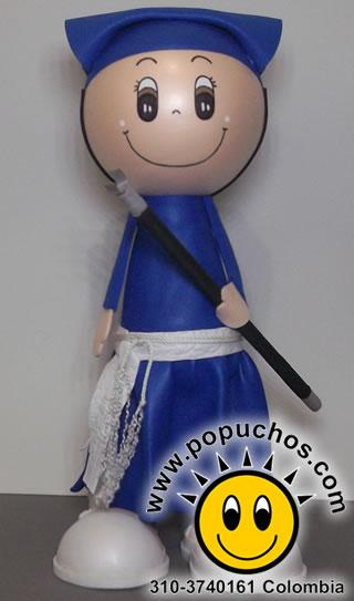 Aunque el Carguero es un personaje enteramente religioso, en la celebración de Halloween los niños suelen usar el vestido de Carguero como disfráz para