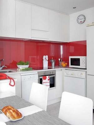 cocina pequeña apartamento hombre