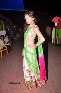 Actress-Vithika-Sheru-Stills-in-Saree-at-Radio-Mirchi