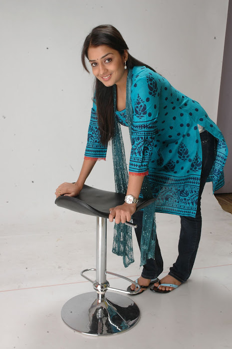 Nikitha in Blue kurti and Dark Blue Jeans for Women actress pics
