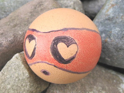 It's a lovestruck egg!