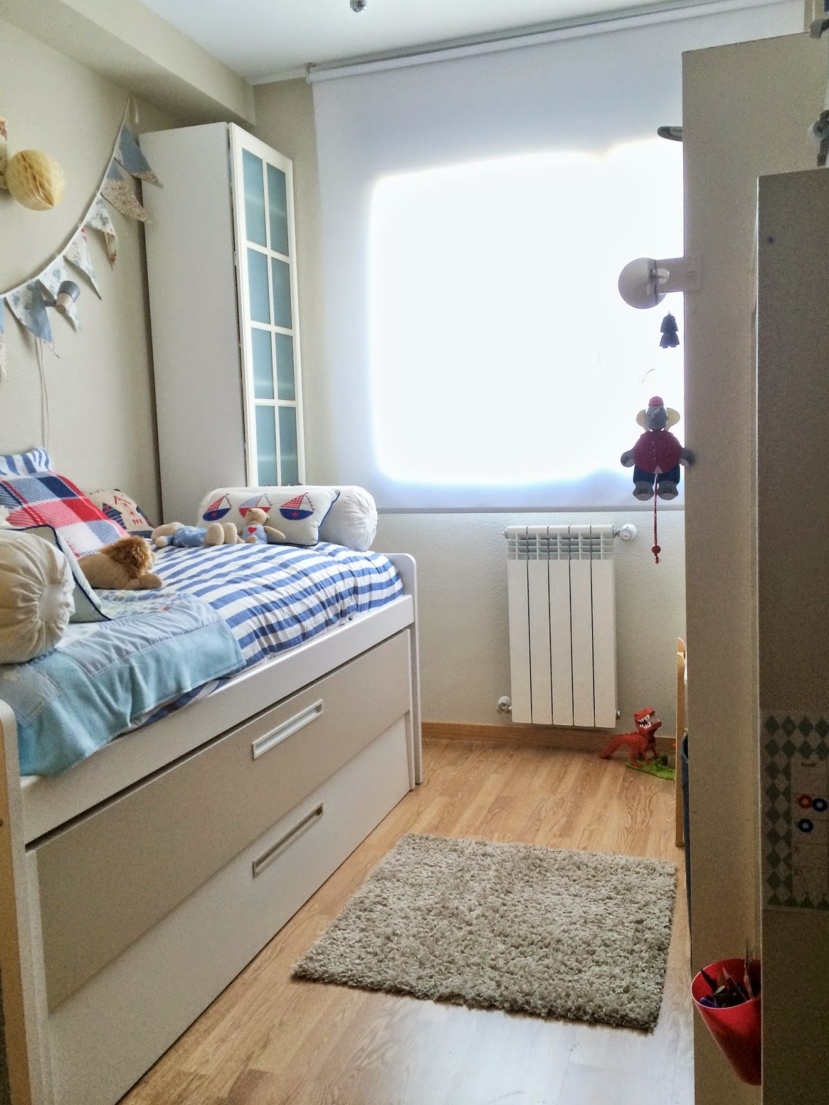 C mo tengo organizado el dormitorio de mi hijo peque o s - Armarios habitacion ...