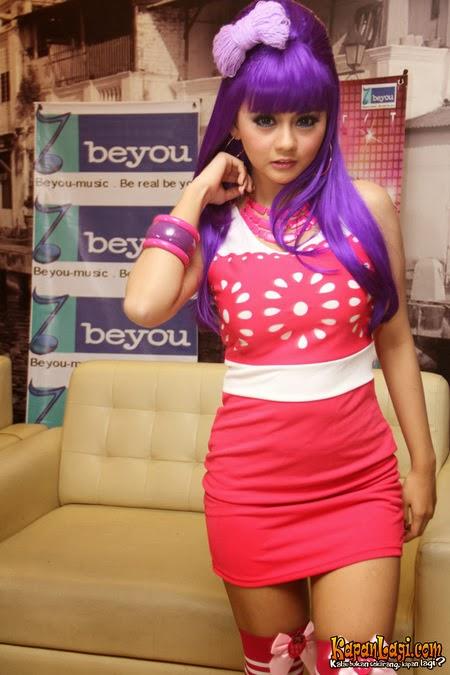 Foto Penyanyi Dangdut Jenita Janet Terbaru (Profil Biodata)