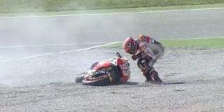 Foto Marc Marquez jatuh