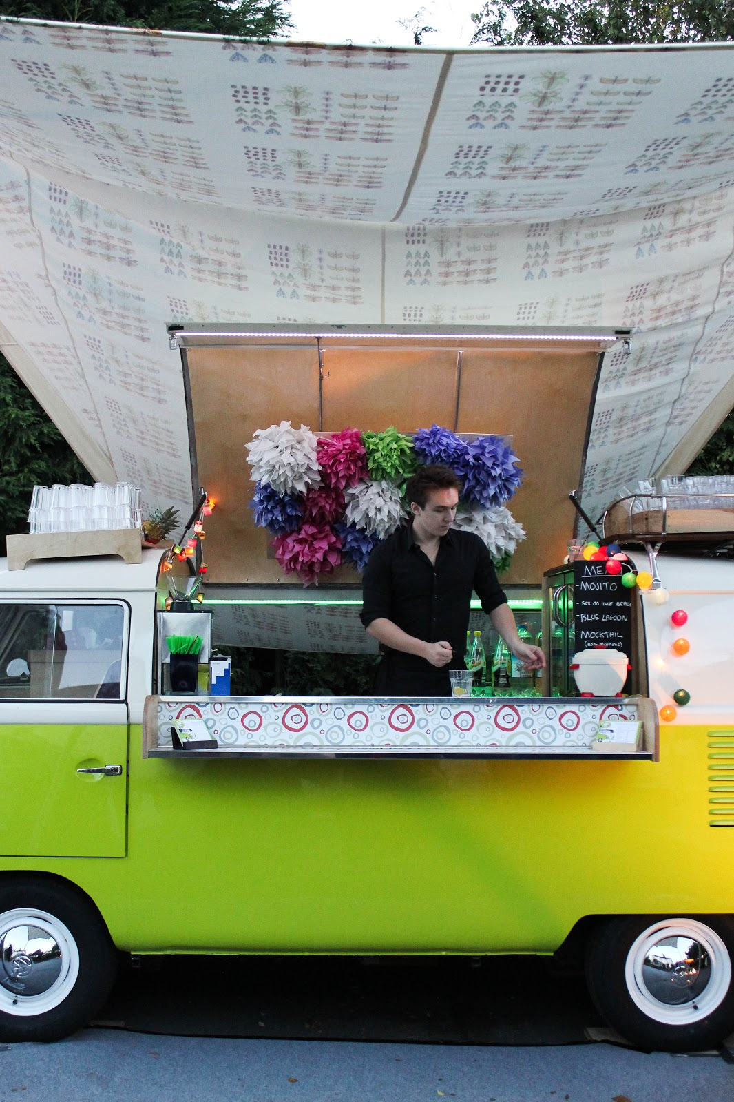 THE WEDDING BLOG DESIGNER: THE VW CAMPER VAN COCKTAIL BAR