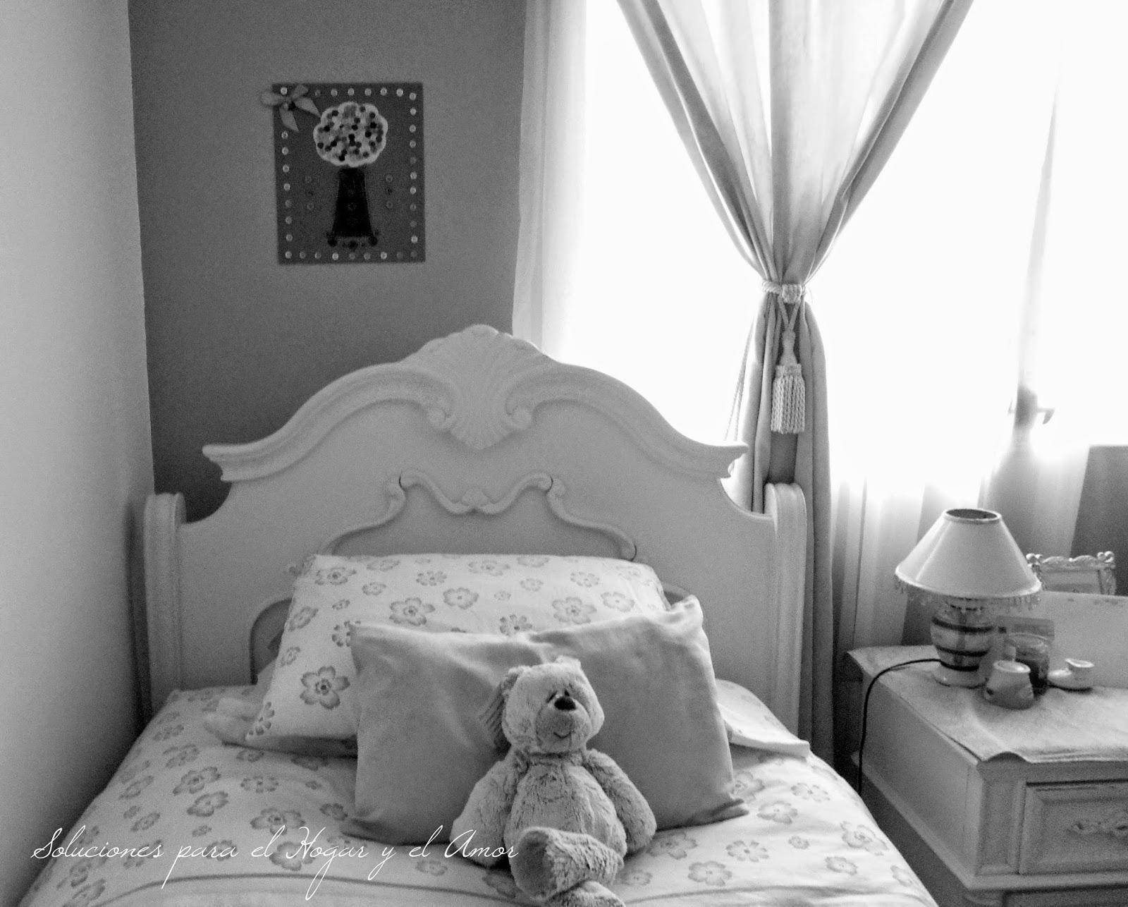 dormitorio decorado con cuadro hecho con botones, recamara de niña, decoración infantil, decoración recamara juvenil