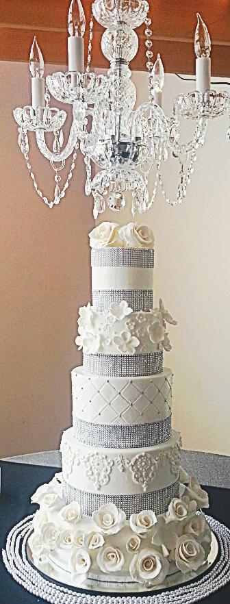 Buttercream  & Cake with Gumpaste flowers