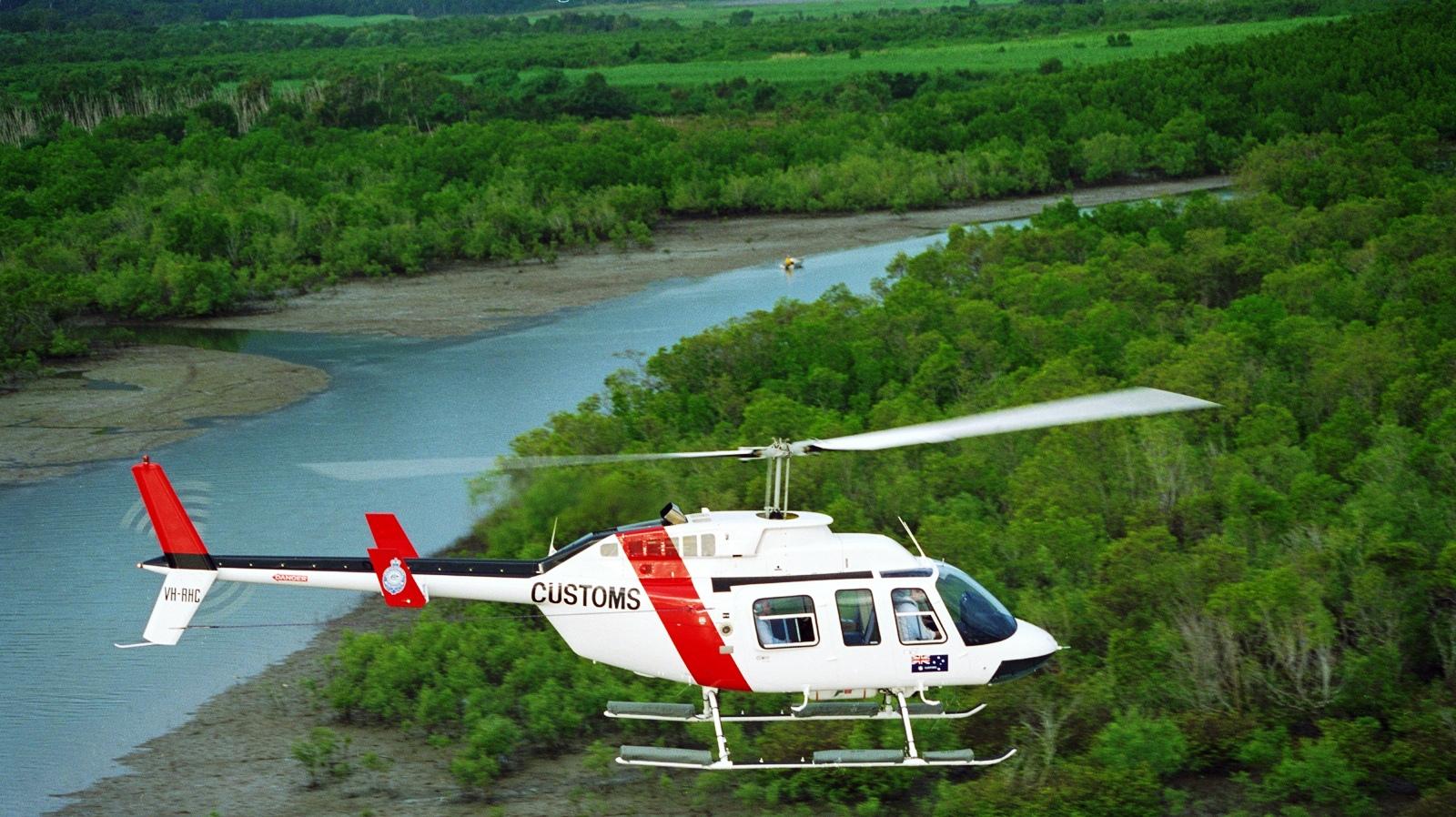 http://2.bp.blogspot.com/-t3vOZL4gF6c/Ti7m94io9zI/AAAAAAAAGDA/h1wAADt9j3Y/s1600/bell_206_long_ranger_fly_forest_13298_aircraft-wallpaper.jpg