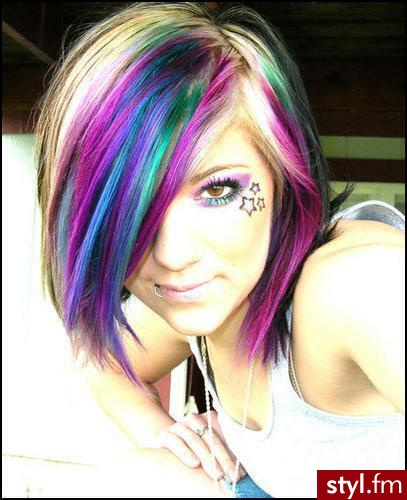 Emo Short Hairstyles With Multicolored Hair