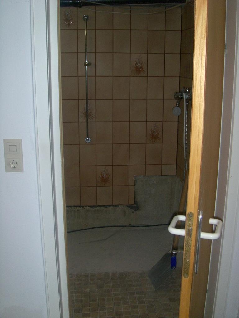 laualau ein st ck keller bad und schubladenschreck. Black Bedroom Furniture Sets. Home Design Ideas