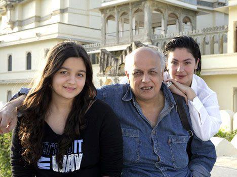 Alia bhatt Family Images