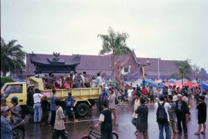 Saufi 27: Sejarah Perang DAYAK vs. MADURA