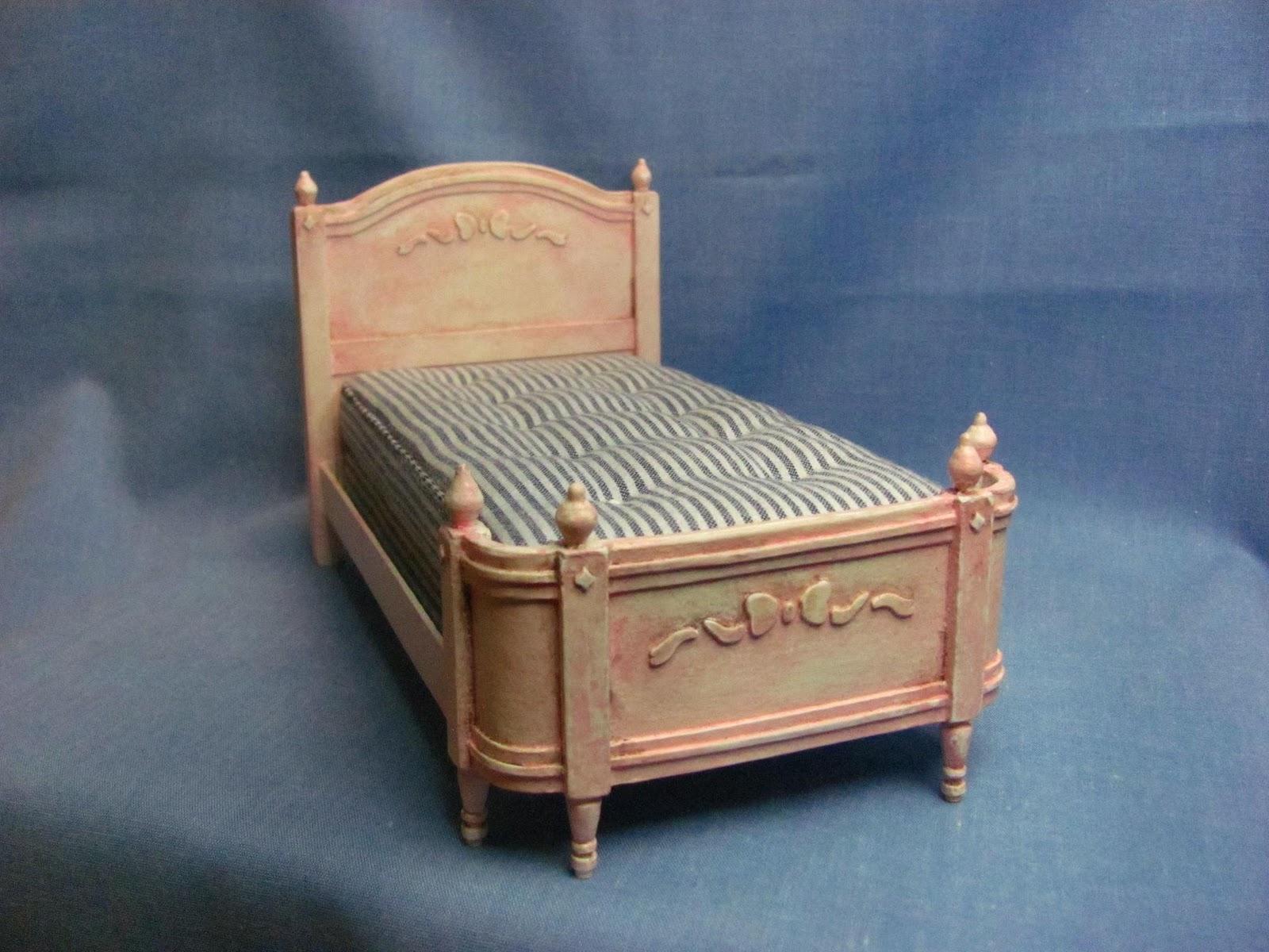 Dollhouse miniature furniture tutorials 1 inch minis for Homemade miniature furniture