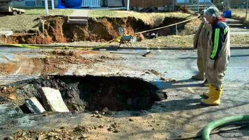 http://sciencythoughts.blogspot.co.uk/2014/03/homes-evacuated-after-sinkhole-opens-up.html