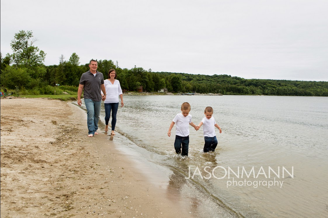 Door County Family Portraits Outdoor on the Beach