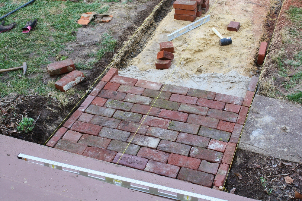 High street market diy antique brick pathway for Brick sidewalk edging