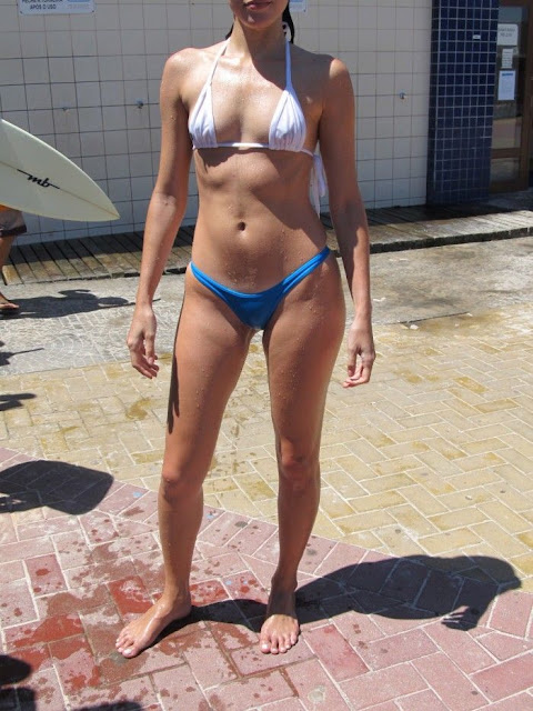 Esposa Gostosa Na Praia Micro Biquini Transparente