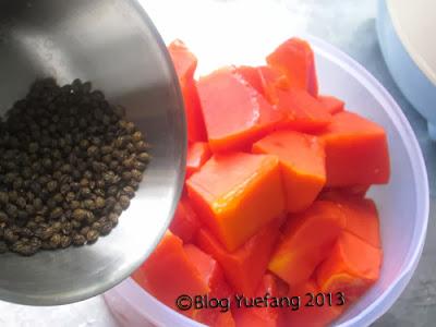 Papaya_seeds