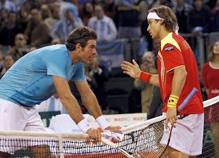 TENIS-Ferrer agota a Del Potro y logra una victoria épica