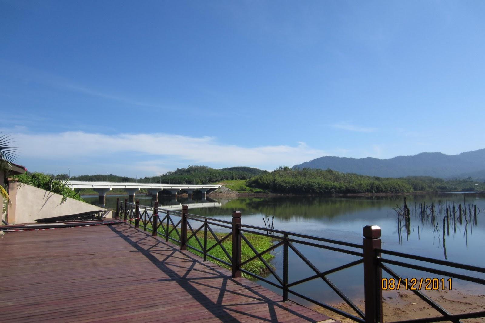Beris lake vineyard photo — 1