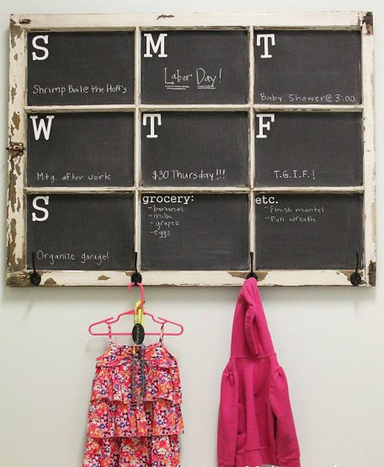 calendario, tinta lousa, janela reciclada, reaproveitar janela, janela velha, reciclagem, upcycling, reaproveitar, old window