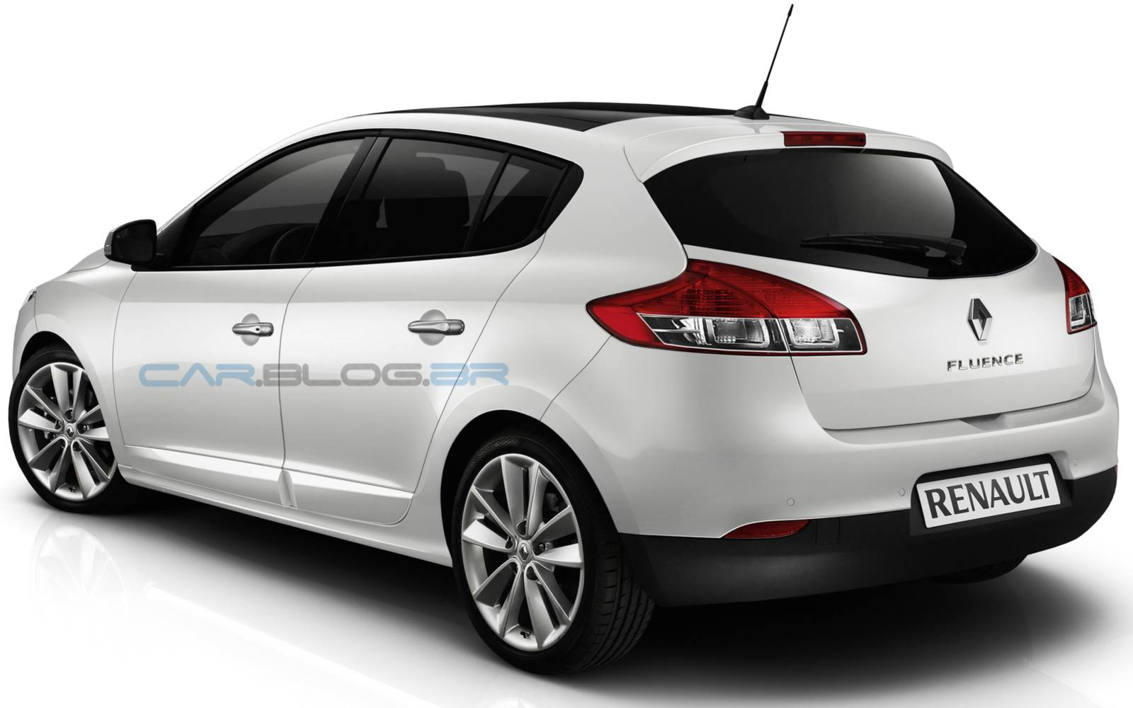 Novo Renault Fluence Hatch 2015