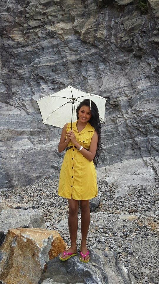 Dinakshie Priyasad yellow