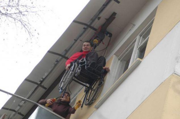 Orang OKU buat lif kerusi roda ke tingkat lima