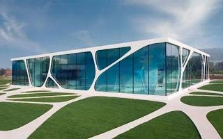 Τα πιο περίεργα γυάλινα σπίτια (pics)