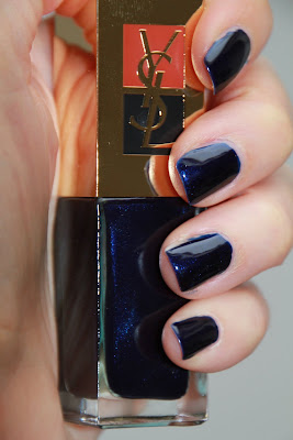 44 Moonlight blue Yves Saint Laurent YSL test swatch avis essai blog