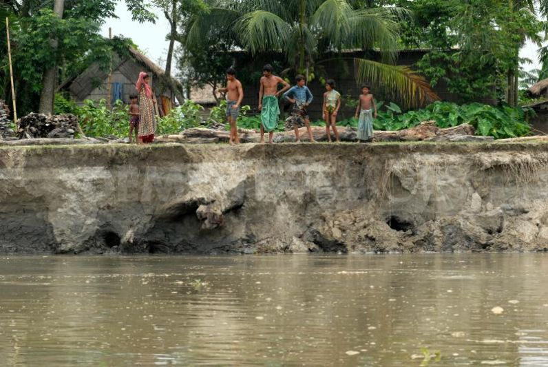 Pacific sentinel editorial river erosion along the india for Soil erosion in hindi