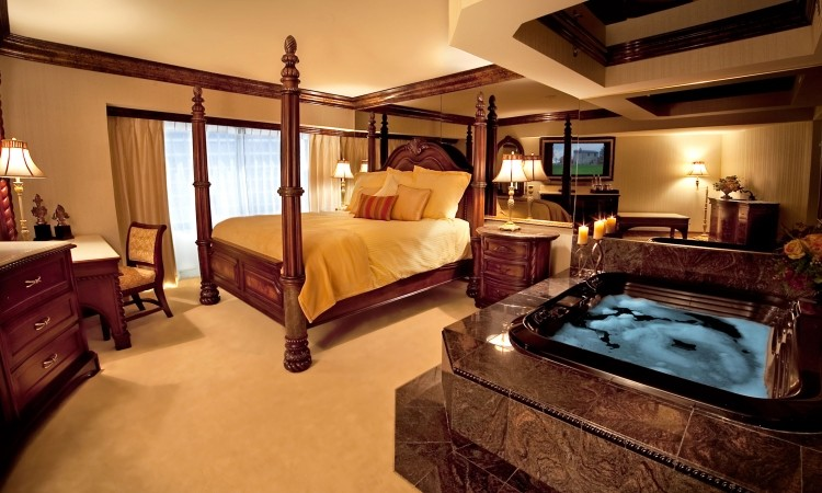 Charmant Bedroom With Jacuzzi In 50 Dreamlike