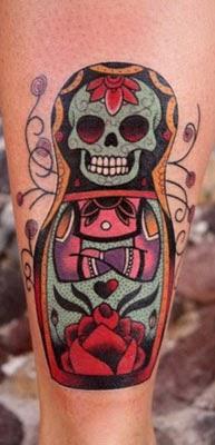 Fotos de tatuagens de caveiras mexicanas de boneca babuska