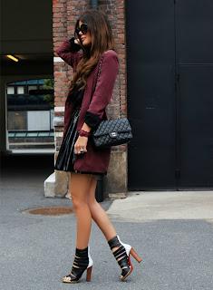 http://2.bp.blogspot.com/-t8s2-415ITo/UGC9qSTqKSI/AAAAAAAADrA/zWIEOm1Al5I/s640/burgundy+dress.jpg