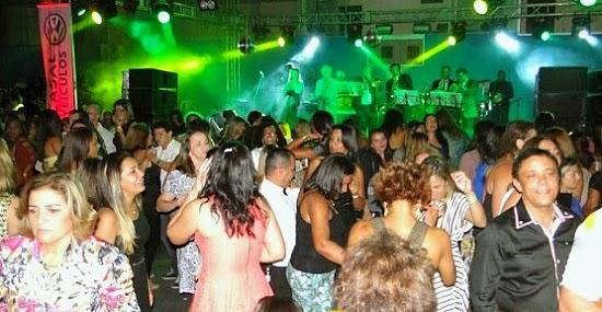Homenageia educadores com baile de confraternização em Cabo Frio