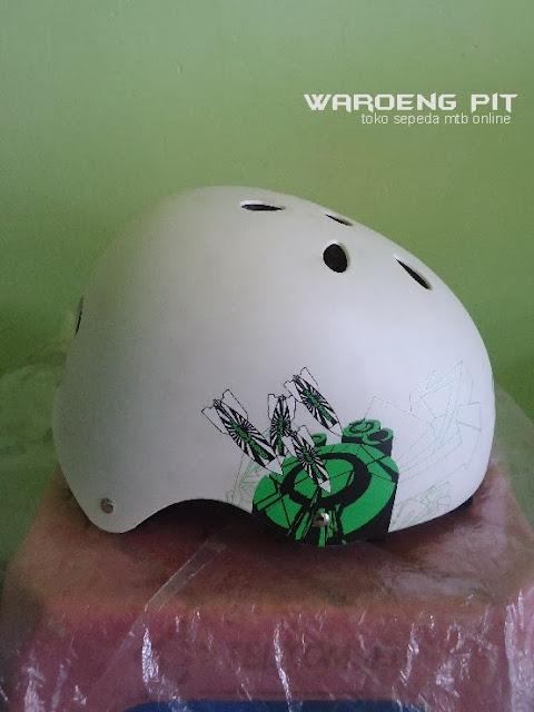 Jual Helmet Nuke head putih sepeda mtb bmx  murah