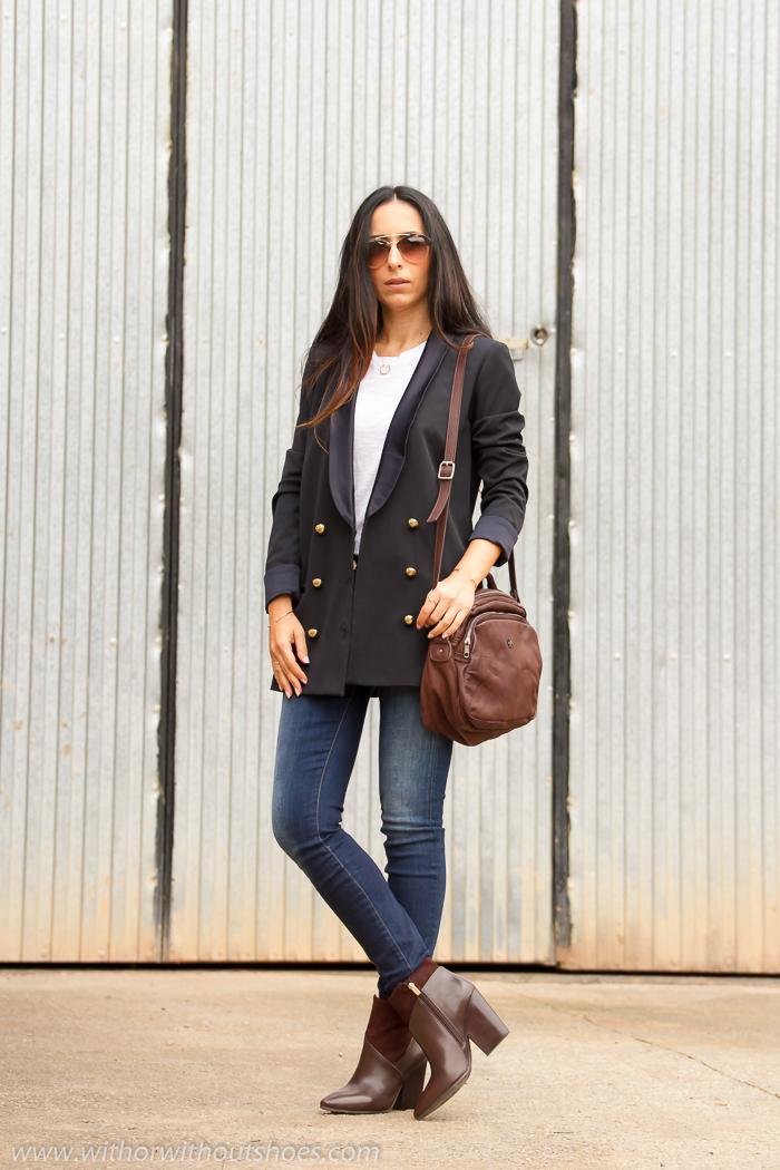 BLogger de moda valenciana con look con pantalones vaqueros de Meltin' Pot blazer cruzada de Zara y accesorios marrones