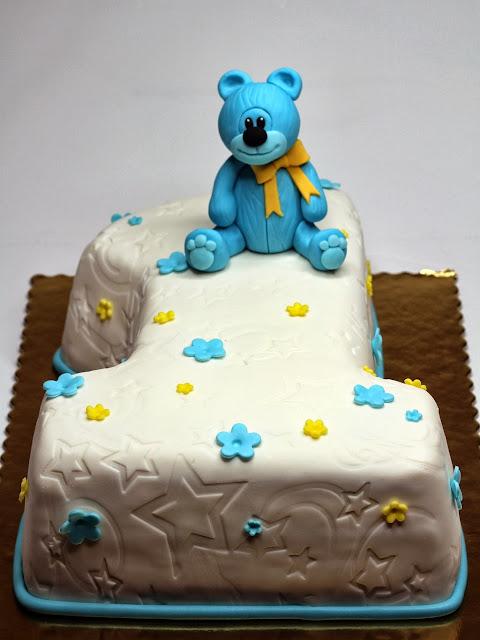 1st Birthday Cake - Bespoke London Cakes