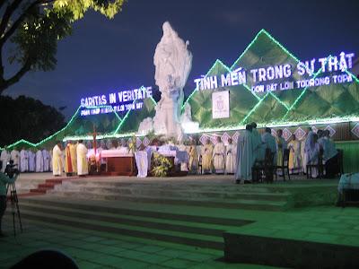 Hình ảnh Thánh lễ tấn phong Tân Giám Mục - Giáo phận Kon Tum 03/12/2015